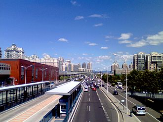 Line 5, Beijing Subway - Line 5 Tiantongyuan. To the left is Tiantongyuan South station; a bus rapid transit line is visible in the center.