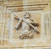 002 Ploudiry ossuaire 2 ankou
