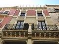 051 Casa Carbonell, pl. Constitució 3 (Vilafranca del Penedès).jpg