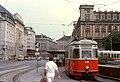 056R21270679 Schottenring, Haltestelle Schottentor, Endstelle der Strassenbahn Linie 43 Typ L 519.jpg