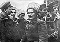 1919. Повстанцы советуются с батькой Махно.jpg