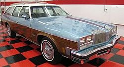 Oldsmobile Vista Cruiser (1976)