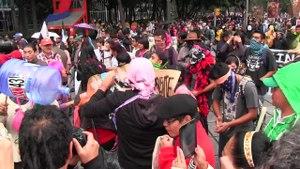 File:1 año de Ayotz1napa -DiaDeLaIndignación.webm