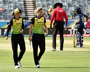 Perry (right) with Meg Lanning during the 2020 ICC Women's T20 World Cup at the WACA