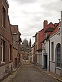 57081-CLT-0002-01 Kathedraal Doornik vanuit straat.jpg