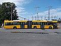 724-es Volvo 7700A busz, vasútállomás kapcsolókert, 2020 Százhalombatta.jpg