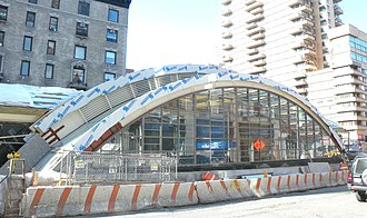 96th Street (Manhattan) - The north entrance to 96th Street station at Broadway