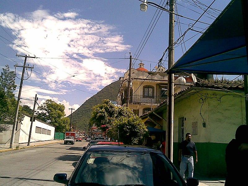 File:AFUERA DE LAS KEKAS EN ORIZABA VER. (BY LION) - panoramio.jpg