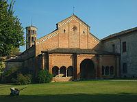 Abbadia Cerreto chiesa Assunzione della Beata Vergine Maria facciata.jpg