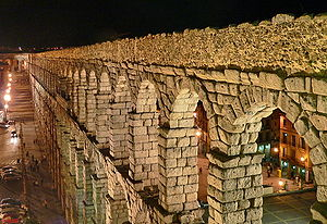 Aqueduct of Segovia - Aqueduct at night