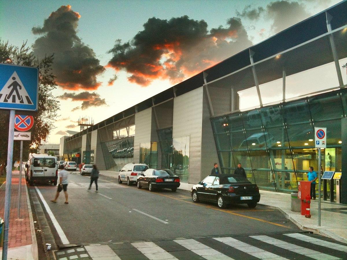 Aeroporto Brindisi : Brindisi airport wikipedia