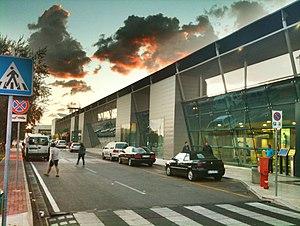Brindisi Airport - Image: Aereoporto Brindisi Papola Casale (BDS) panoramio
