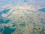 Aerial photograph of Paris, 20 April 2011 004.jpg