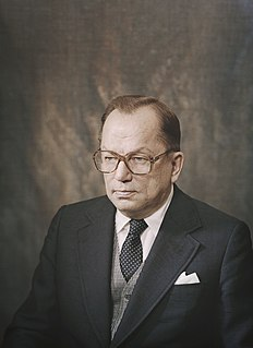Ahti Karjalainen Finnish politician