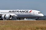 Air France B787-9 (F-HRBB) landing at Paris-Charles de Gaulle Airport (2).jpg