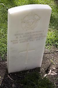 Aircraftman 1st Class A A Mackinnon gravestone in the Wagga Wagga War Cemetery.jpg