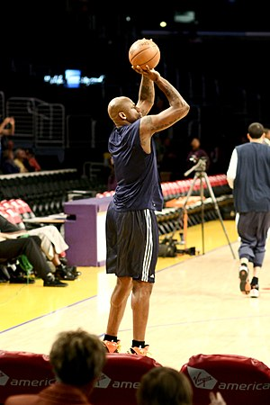Al Harrington - Harrington warming up before a Warriors/Lakers game on March 23, 2008.