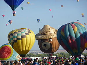 Albuquerque Balloon Fiesta 2011 - Smokey the Bear balloon pre-launch.JPG