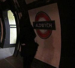 Aldwych platform (5029009083).jpg