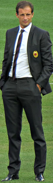 Allegri with Milan players (cropped).jpg