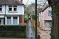 Alleyway - Laura Grove to Oldway Road - geograph.org.uk - 1083872.jpg