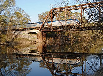 Crescent (train) - Amtrak's Crescent crosses the Pearl River near Picayune, Mississippi