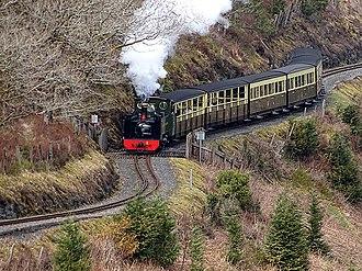 Vale of Rheidol Railway - Image: An afternoon train to Devils Bridge (geograph 5730422)