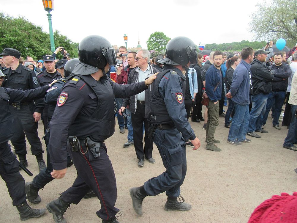 Anti-Corruption Rally in Saint Petersburg (2017-06-12) 30.jpg