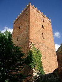 Apenburg Bergfried.jpg