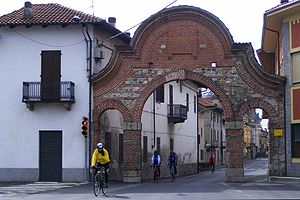 Borgo d'Ale - Image: Arco borgo d'ale