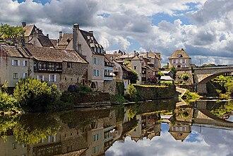 Corrèze - Image: Argentat, July 2009