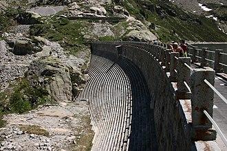Masonry dam - Image: Artouste dam 1