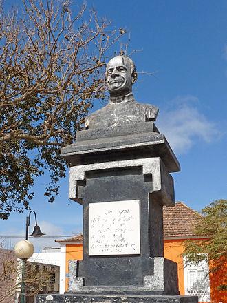 Assomada - A bust to Father Louis Allah