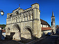Aubeterre-sur-Dronne, la collégiale Saint Jacques.jpg