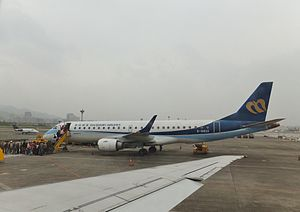 B-16822 Boarding at Songshan Airport 20120324.JPG