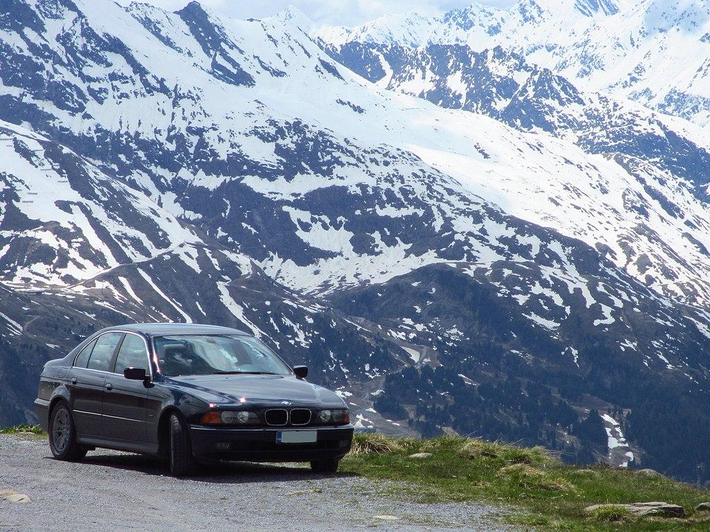 BMW E39 523i on the Alps (2).jpg