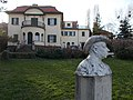 Bajor Gizi Actors' Museum. Villa and bust. - Stromfeld út, Budapest.JPG