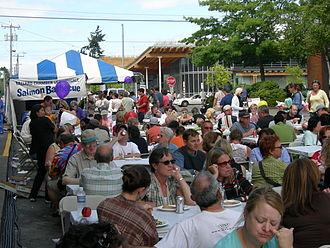 Street fair - Image: Ballard Fest 2006 5