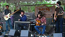 Description de l'image  Band of Horses - SXSW2006-cropped.jpg.