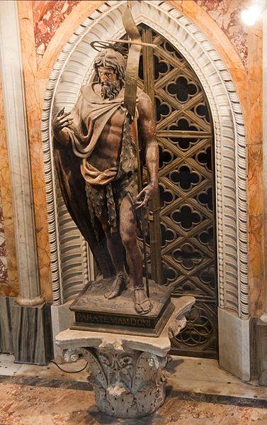 File:Basilica di San Giovanni in Laterano - Interior 3.jpg