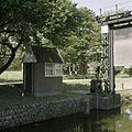Bedieningshuisje bij de sluis - Ten Boer - 20388152 - RCE.jpg