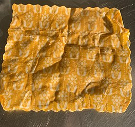 Beeswax wrap - Wikipedia