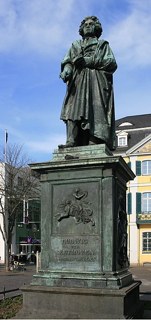 English: Ludwig van Beethoven statue, by Ernst...