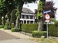 Bemmel Rijksmonument 8940 huis Ressensestraat 2 (met straatnaambord).JPG