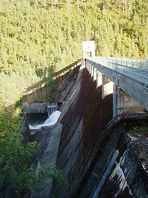 Affric-Beauly hydro-electric power scheme - Image: Benevean dam (Paul Hookway