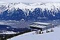 Bergstation Patscherkofelbahn gegen Nordkette.jpg