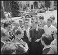 Berkeley, California. University of California Lawn Forum. A discussion group formed after the regular forum was... - NARA - 532099.tif