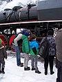 Beroun, Křivoklát expres (prosinec 2012), připojování lokomotivy (01).jpg