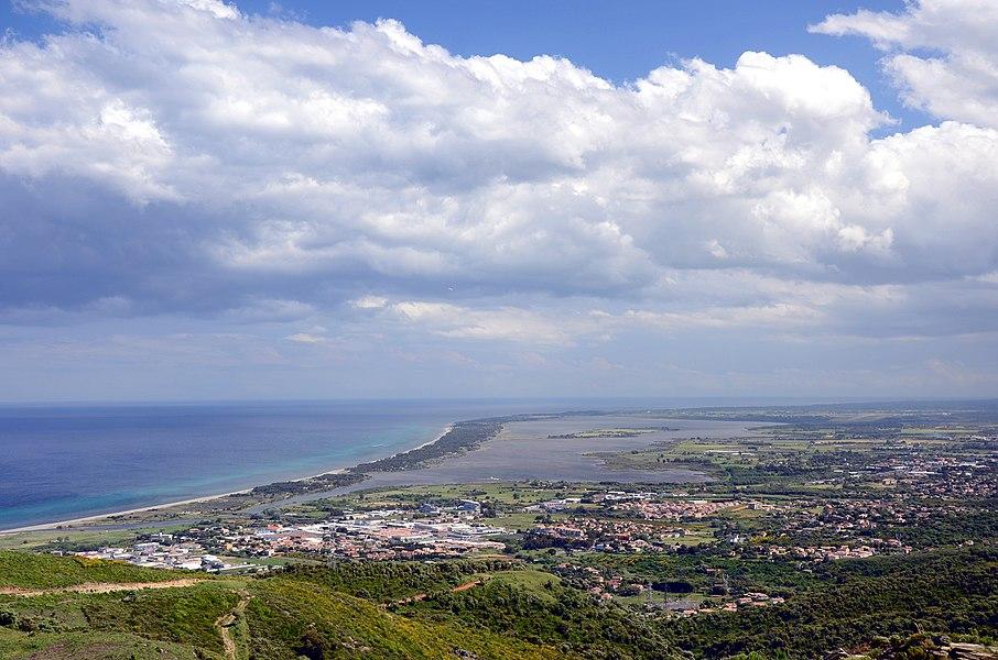 Вид на пруд Бигулья и на пляжи Марана.