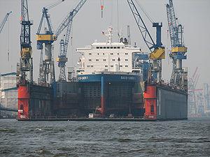 Blohm+Voss - Image: Blohm+Voss Dock 10 Hafen Hamburg 2